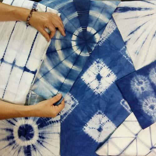 proyectos-de-shibori-con-indigo-realizados-por-julia