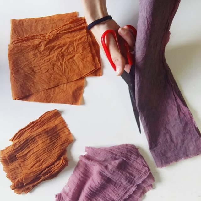 algodon-organico-tenido-con-tintes-naturales_curso-de-tintes-naturales-en-algodon-de-mundo-lanar-en-the-dyers-house
